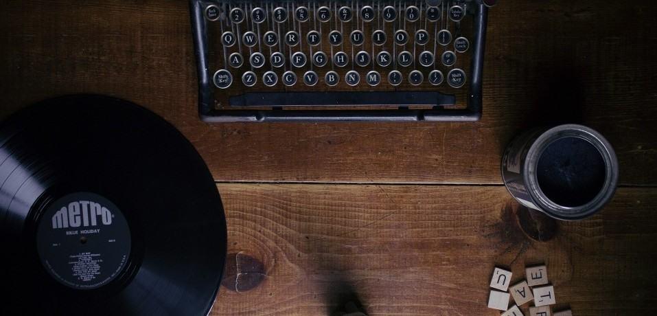 typewriter-1148939_1920